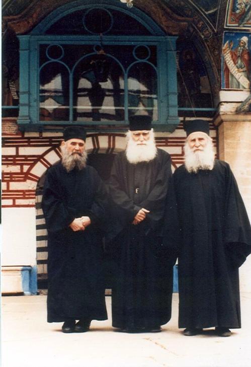 00 14 maos 1988 me p efraim katounakivti kai efraim filo8eiti